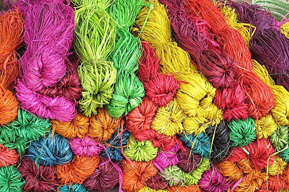 DYED RAFFIA READY FOR WEAVING
