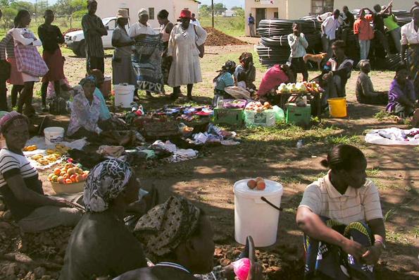 giorno di mercato a Mpolonjeni